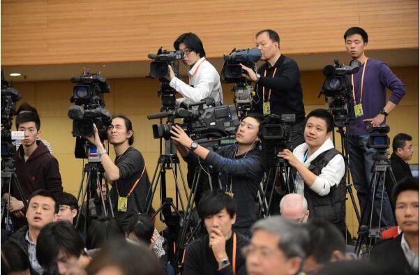 如何提高媒体记者采访能力的一些建议