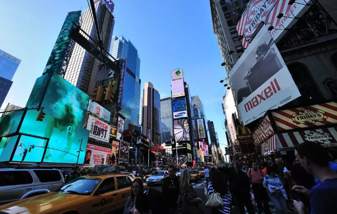 纽约时代广场大屏户外LED广告有哪些优势?
