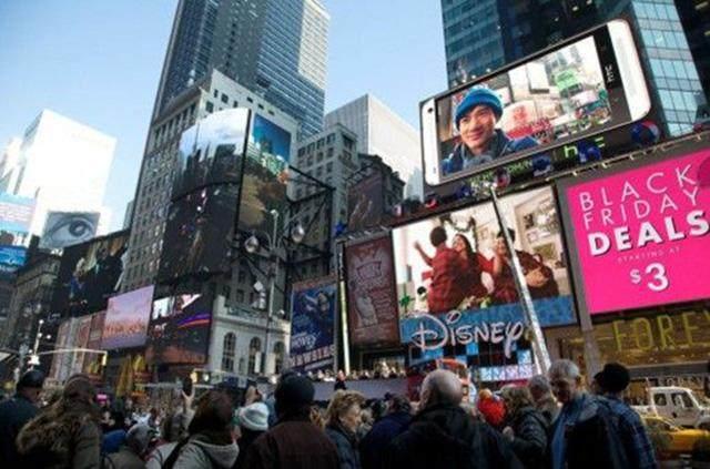 美国纽约时代广场大屏幕上的广告炒作怎么就变了味?