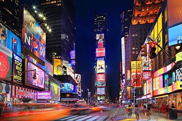 纽约时代广场的大屏广告的价值在于?